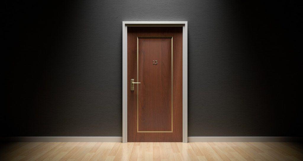 דלת לדירה