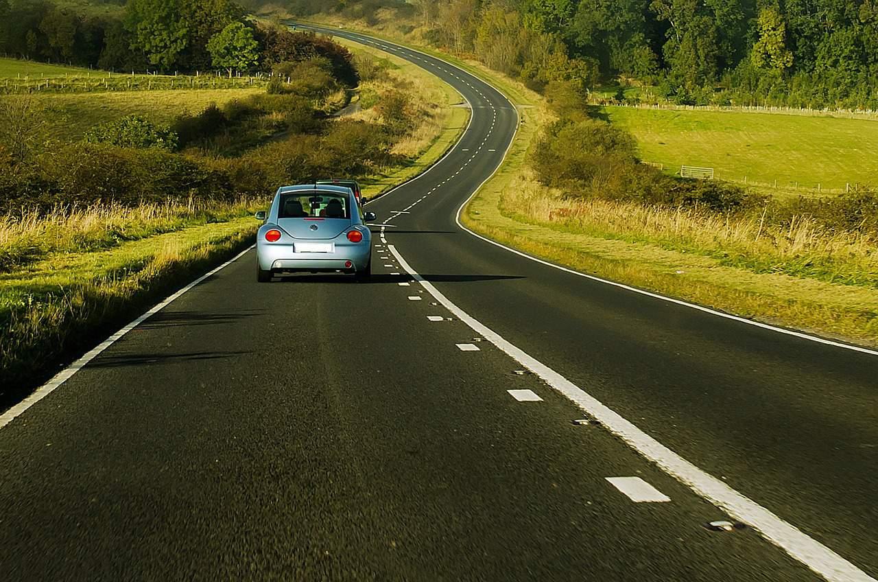 רכב בכביש