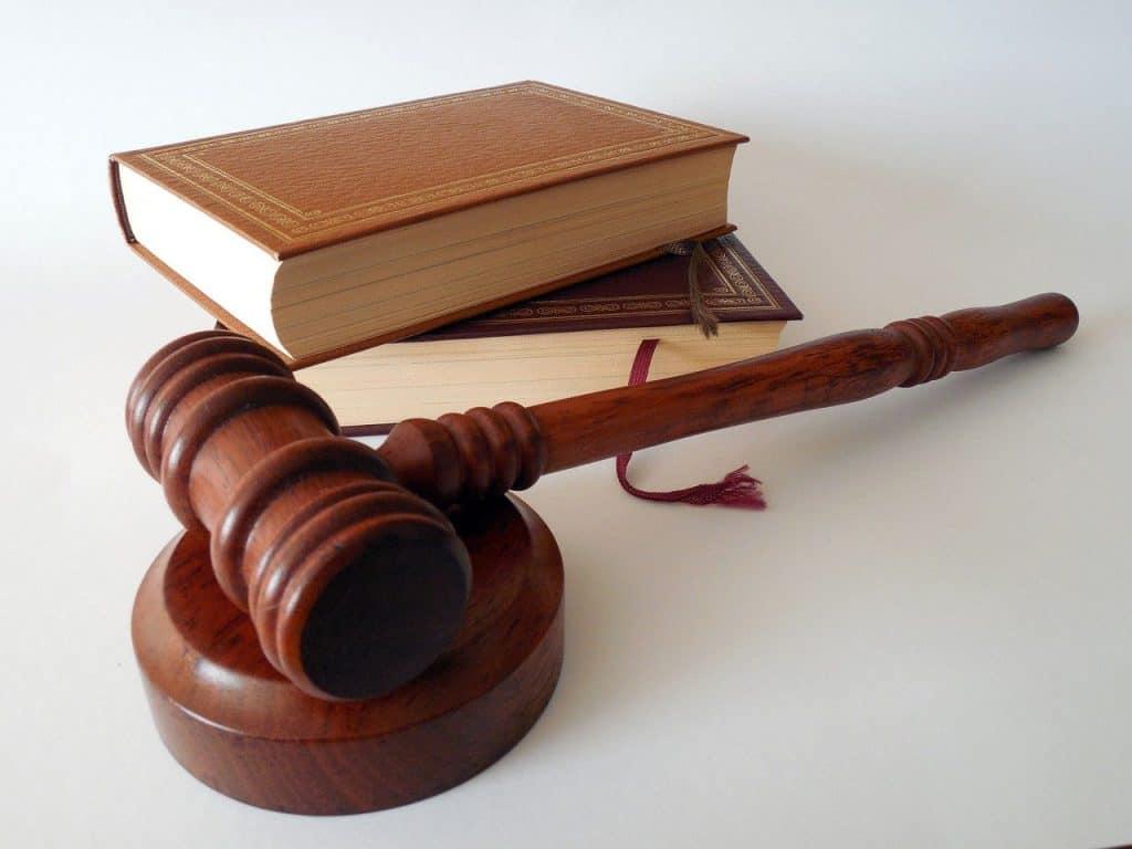 ספרים ופטיש משפטיים